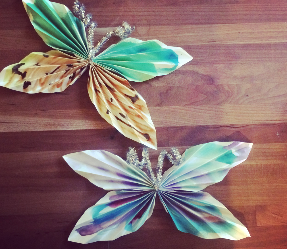 Butterfly craft with kids. themamavillage.com