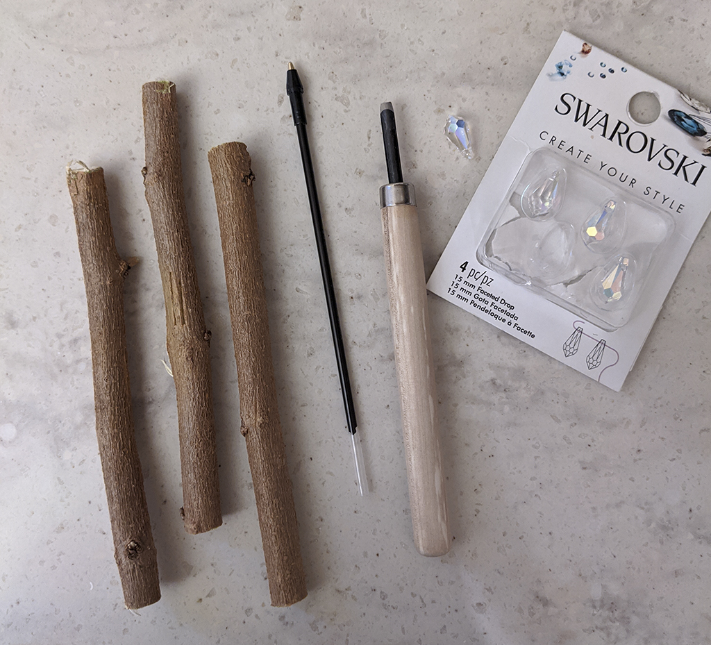 DIY wooden pens step by step instructions, themamavillage.com